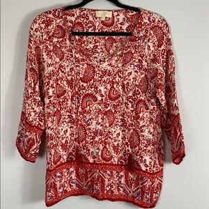 [Lucy & Laurel] Women's red patterned blouse